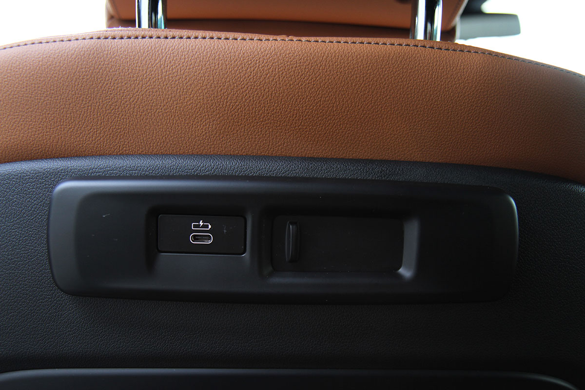 BMW X5 40i Excellence full
